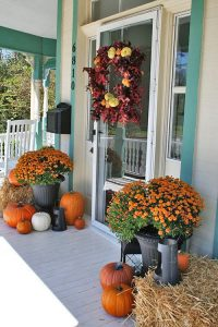 Front Door Ideas -Dress Up Front Door - Country